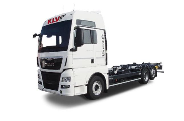 Vollelektrischer Abrollkipper von Volvo in München